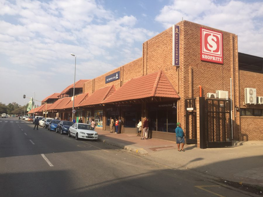 South Africans Still Choosing Shopping Centres Over Shopping Online