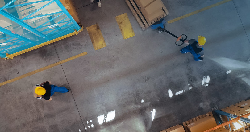 e-Commerce and the Amazon Effect. Can we anticipate a shift in warehouse distribution to urban areas? What about temporary storage?